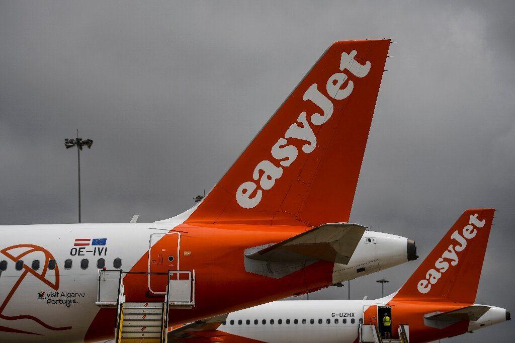 EasyJet rejects takeover bid, plots $2.0 bn lifeline