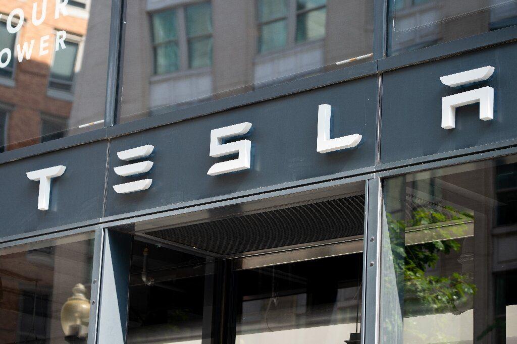For Tesla probe, US regulators seek data from 12 automakers
