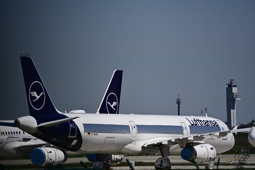 German airline Lufthansa approves capital increase